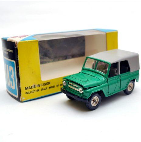 УАЗ 469 а34 темно-зеленый. Коробка 03 1989