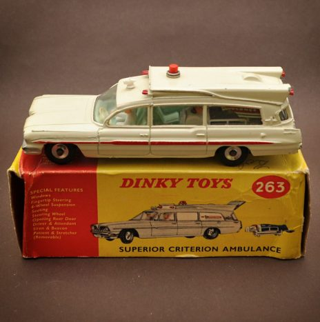 Dinky 263 superior criterion ambulance, Diecast, Made in England 1965
