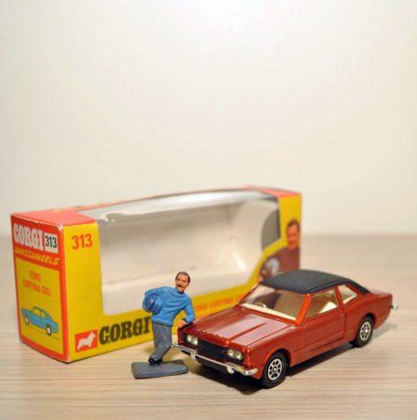 CORGI 313 Ford Cortina GXL red metallic • Англия, 70ые