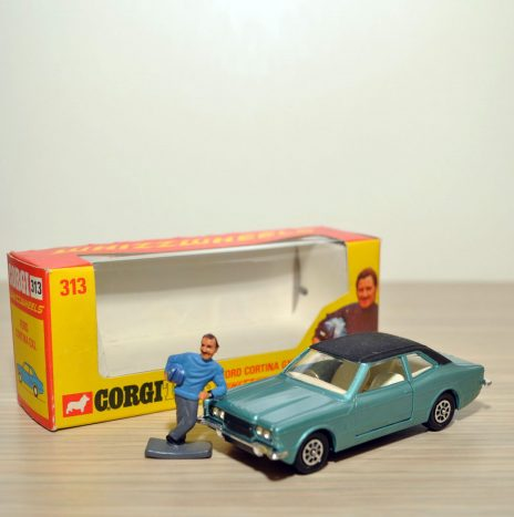 CORGI 313 Ford Cortina GXL mint metallic • Англия, 70ые