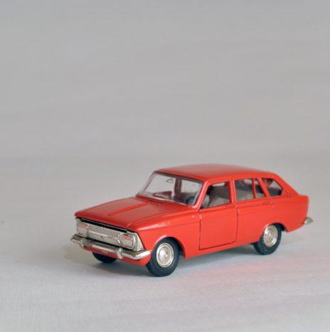 Москвич комби 1500 а12 красно-оранжевый