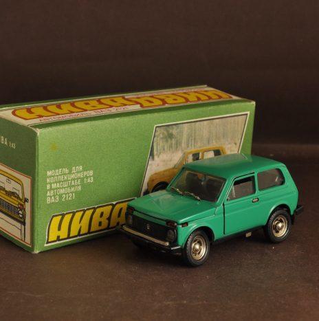 ВАЗ 2121 а20 зеленая